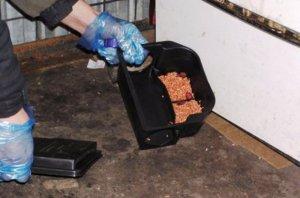 Раскладка приманок в контейнер